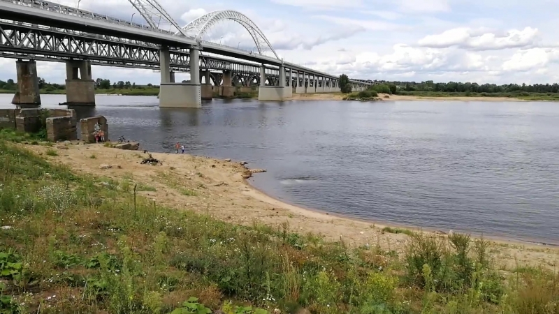 У Борского моста машина улетела в реку.