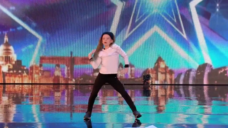 Paisley Kerswell brings the sass! _ Week 1 Auditions _ Britain's Got Talent 2016 [720p]