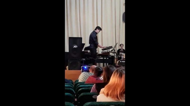 Ринат Хасанов. Соло на синтезаторе.