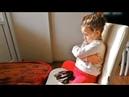 Hangi Gözlü`ğü Takacağına Karar Veremeyip Gözlü`ğe Küsen Küçük Kız
