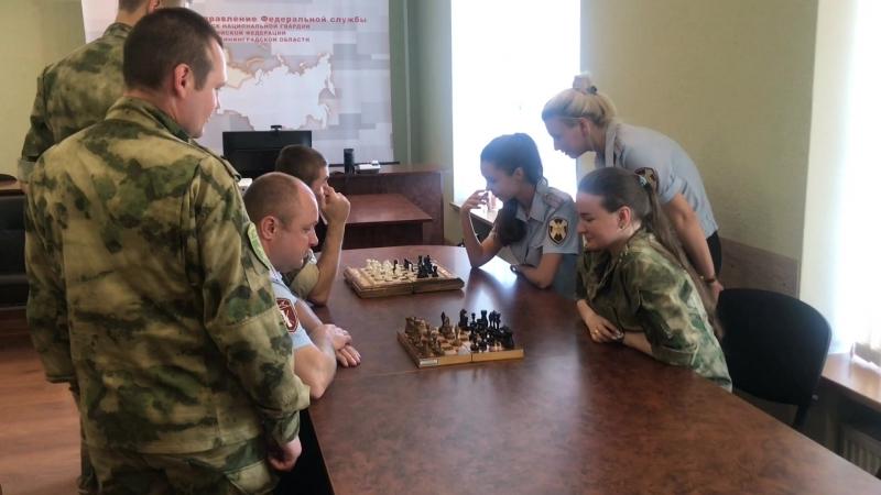 В Калининграде военнослужащие и сотрудники Росгвардии устроили мини чемпионат по шахматам