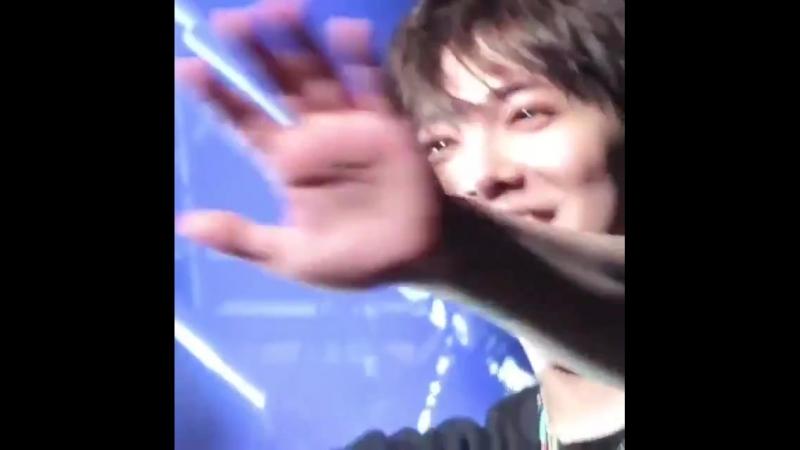 12.08.18 the softness in Hongki's eyes