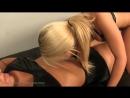 Rubias lindas jugando con sus ombligos (GKA Productions)