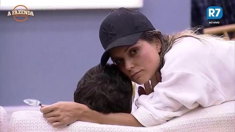 Doente, Marcelo recebe os cuidados de Flávia