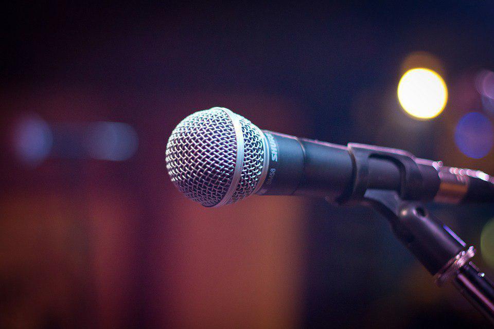 Пенсионеров научат петь в школе на Костромской и в колледже на Бибиревской