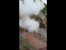 Гейзер возлевулкана на Камчатке