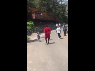 [Фанкам] 180427 @ Джексон с детьми на съемках шоу