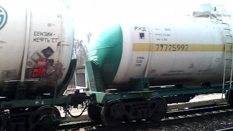 Электровозы ВЛ10К-794 и ВЛ10К-946 с грузовым поездом