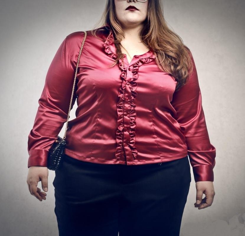 Когда чрезмерное питание возникает из-за потребления слишком большого количества калорий, результатом часто является ожирение.