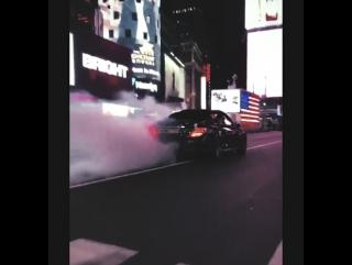 Беспредел на Times Square, New York City [blvckmania]
