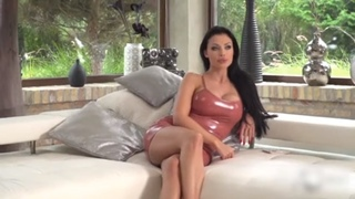 Aletta Ocean - Beautiful Investor