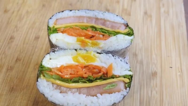 김밥 샌드위치 (Кимпаб-сендвич).