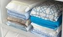 Храните комплекты постельного белья в их наволочках…