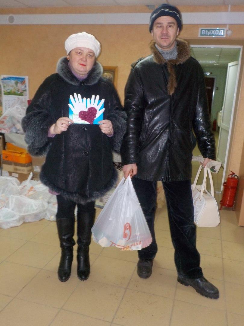 """Социальный центр """"Покров"""" поздравлял с Днем матери мам и бабушек, воспитывающих детей-инвалидов, ограниченных в передвижении"""