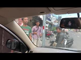 На Айзу Анохину напали Индонезы 3
