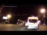 Подрезав Микроавтобус, Водитель Даже Представить Себе Не Мог, Кто Выйдет С Ним Р