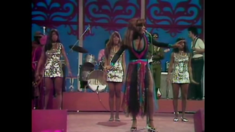Ike Tina Turner - She Came In Through The Bathroom Window - Get Back - Proud Mary, FLASHBACKS USA 10.02.1972