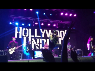 Hollywood undead - California Dreaming live in Tele-Club