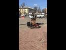 Питер . Уличные музыканты . Человек - оркестр