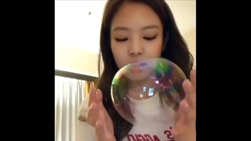 Дженни и пузырь 🔮