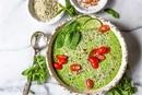 Холодный суп с огурцом и зеленью