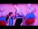 Дима с Сашей танцуют