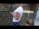 Оу крокодилы и как их кормят Зоопарк в Новомихайловке