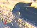 Кара небесная Камень бумерангом вернулся в хулигана который хотел разгромить чужую машину