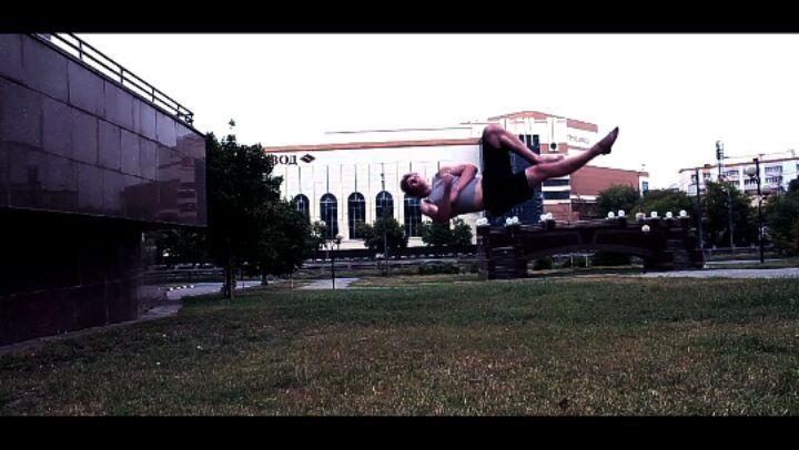 "Игорь on Instagram: ""Улучшаем технику  freetricks parkour tricking moskow flip  тринкинг паркур"""