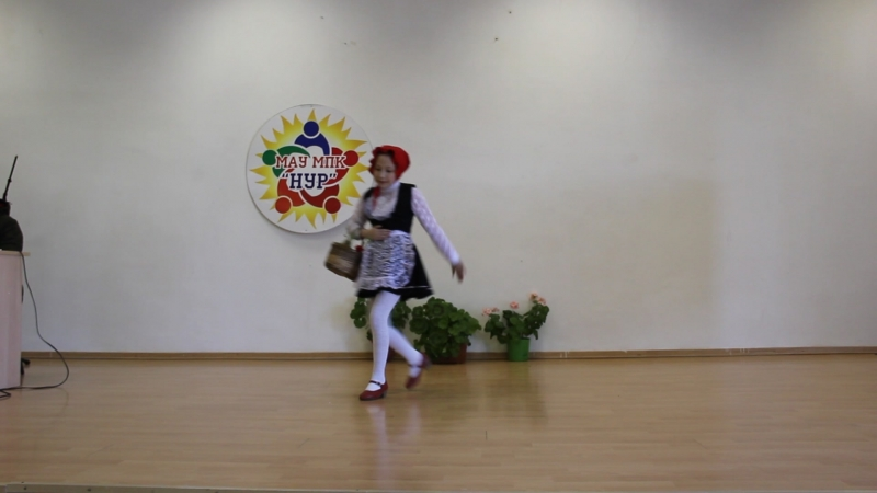 Шарипова Галия танец Красная шапочка