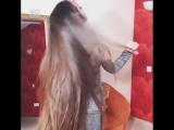 Сколько же шампуня нужно на такие волосы