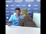 Марез привел свою маму на подписание контракта с
