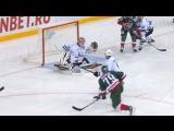 Марков пробивает Демченко броском в «девятку»