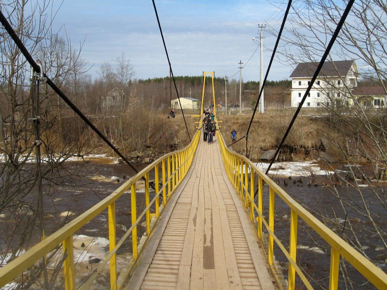 На электричке в Тихвин: Женский монастырь, висячие мосты, реставрированный шлюз Тихвинской системы