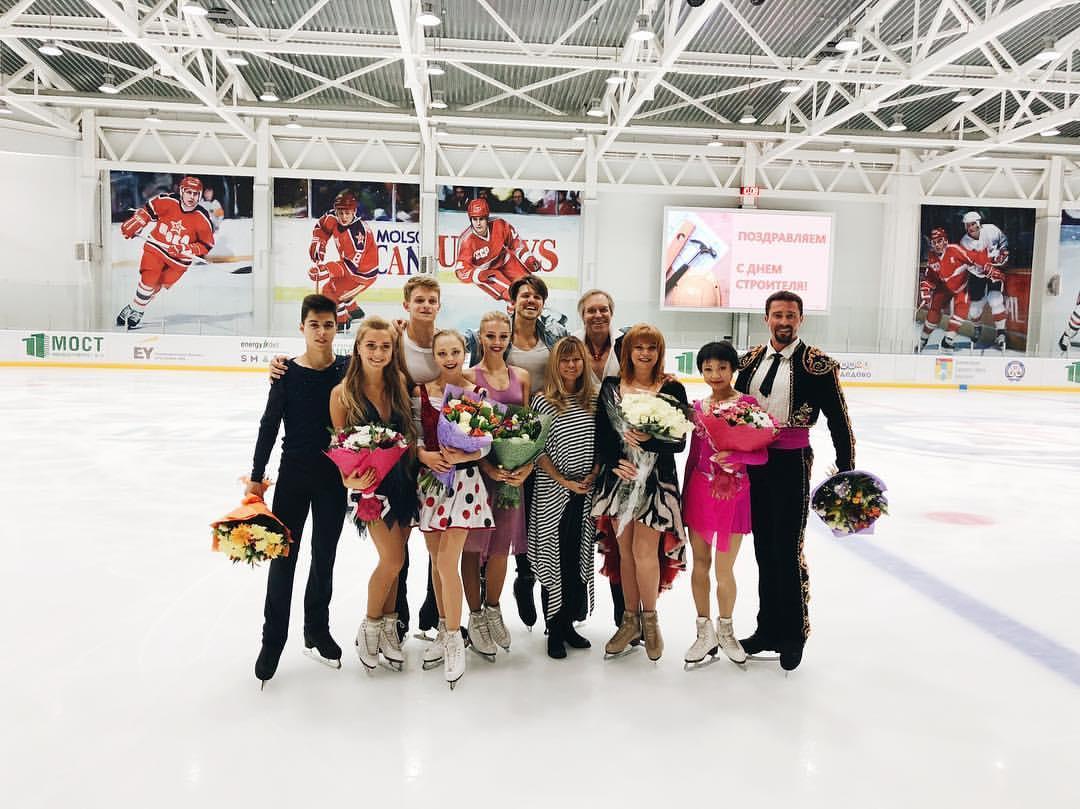 Ледовые шоу-5 - Страница 38 PuKup-FQinA