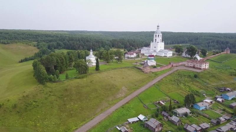 Троице-Стефано-Ульяновский монастырь в Республике Коми. Как белый лебедь на бере
