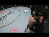 Sagetdao Petpayathai KOs Jimmy Yabo with a knee to the body at ONE: Warriors of the World