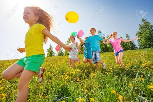 С ДОБРЫМ УТРОМ, ДРУЗЬЯ! Лето продолжается, значит продолжаются яркоцветочные, солнечнозагарательные, ягодноароматные, морскиебризовые,небеснолучистые.... - отпускканикульноотдыхательные дни)...И ПУСТЬ ОНИ БУДУТ САМЫМИ СЧАСТЛИВЫМИ для вас!