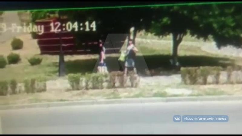 Воровка утащила рюкзак в Армавире 29.06.18