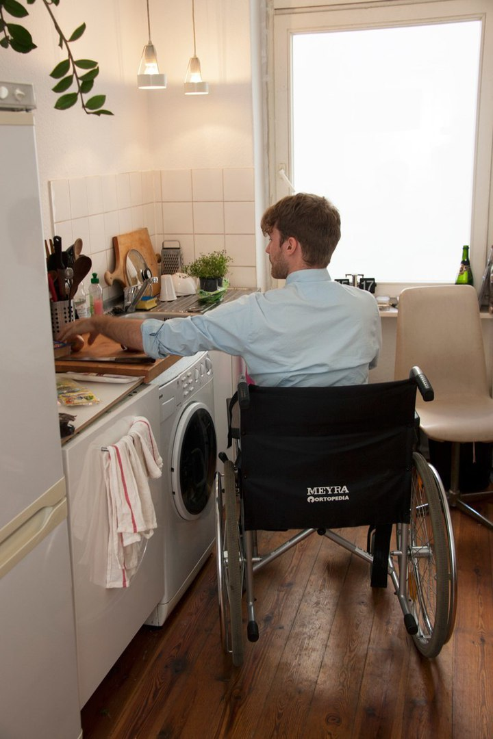 chopchop, a kitchen counter for the physically-impaired by dirk biotto