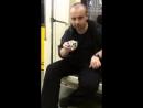 Фокусы с кубиком Рубика в московском метро