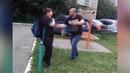 Отец порет сына ремнём во дворе. Real video