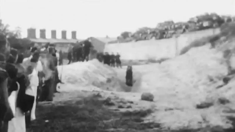 21 29 сентября 1941 года в киевском урочище Бабий Яр. Погибло 250.000 жителей. Всю грязную работу выполняли Упа и бэндеровцы. (