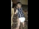 сын изучает лестницу 😊