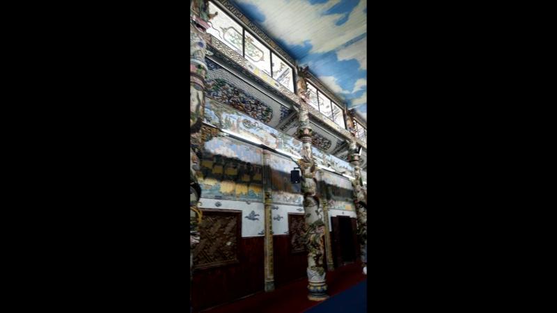 Далат, храм Linh Phuoc1