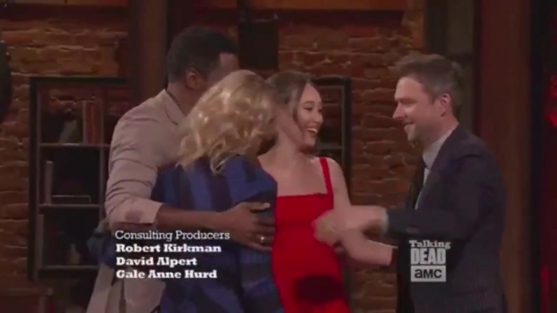 Alycia Debnam Carey Colman and Kim on Talking Dead pt 2