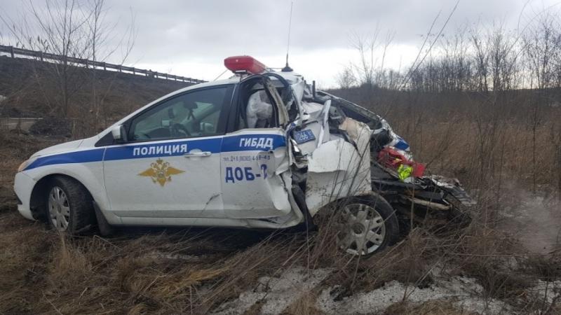 КАМАЗ протаранил машину ДПС, Ростовская область