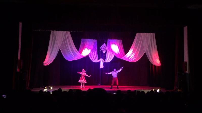 Парный танец. Менгилен Ооржак, Чинчи Куулар