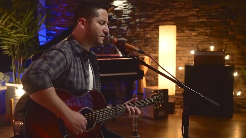 Girls Like You - Maroon 5 (Boyce Avenue acoustic cover) on Spotify Apple