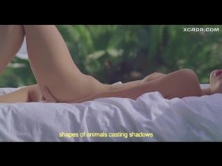 Обнаженная Алия Галяутдинова мастурбирует в клипе Space In S